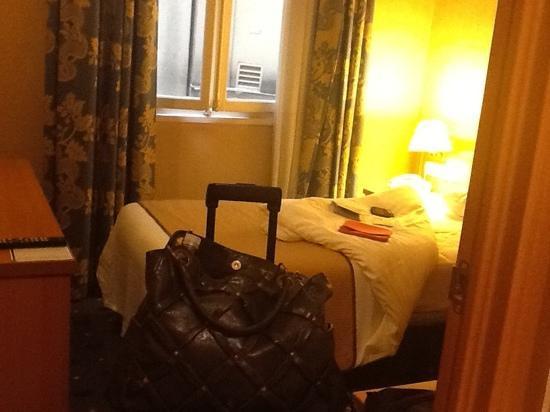 TRYP Paris Opera Hotel: paris!!!!