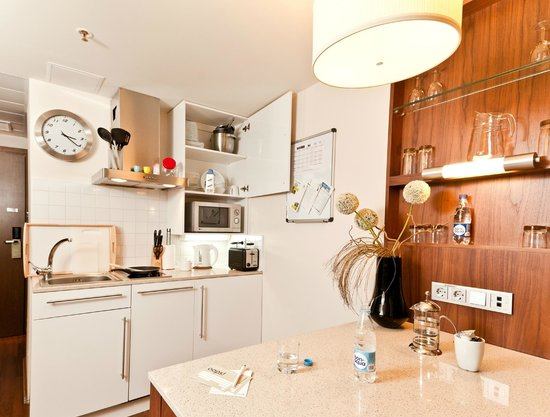 Staybridge Suites St. Petersburg: All rooms have fully equipped kitchen