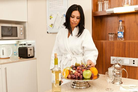 Staybridge Suites St. Petersburg: Bathrobes are available in all Suites