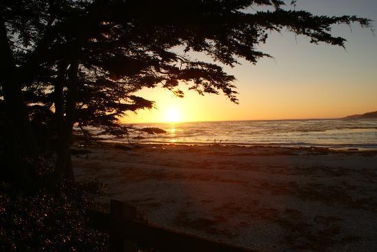 Sandpiper Inn Carmel : Carmel Beach Sunset