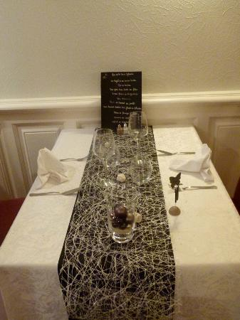 deco de table nouvel an picture of la musardiere dieppe tripadvisor. Black Bedroom Furniture Sets. Home Design Ideas