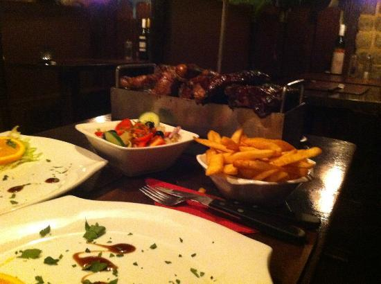 Los Toros : mixed grill for 2