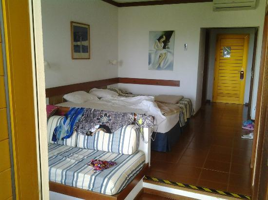 Hotel Baia Cristal: very spacious room