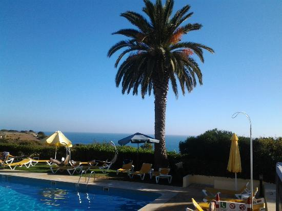 Hotel Baia Cristal: view from pool area