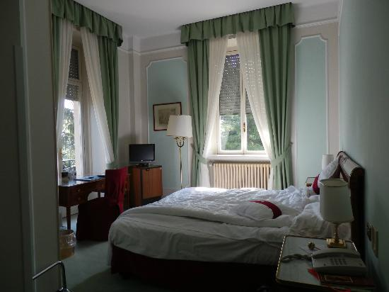 Palace Grand Hotel: Bedroom with stunning views