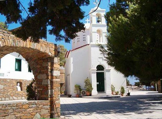 Kithnos, Grecia: The church...