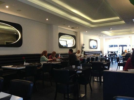 Black & White Turkisches Restaurant & Cafe: Inneneinrichtung