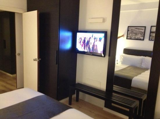 Sea Executive Suites: One of two bedrooms