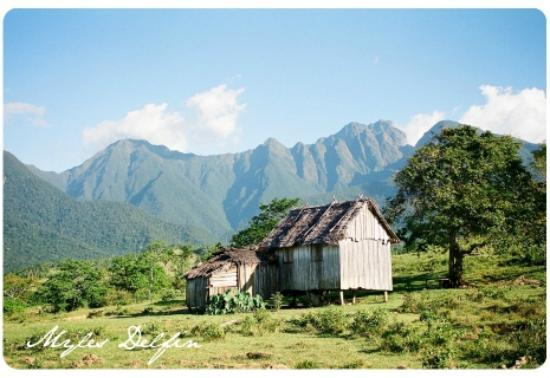 Mt Guiting-Guiting: View of Guiting-guiting from Magdiwang town