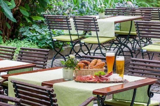 Mercure Hotel Muenchen City Center: Biergarten