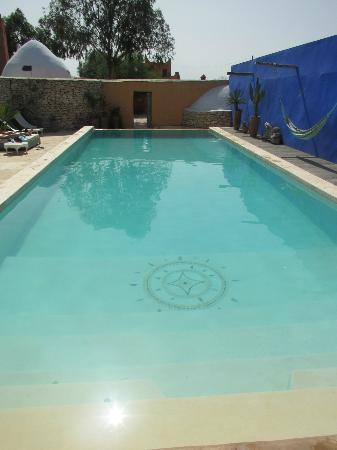 Riad Baoussala: Piscine