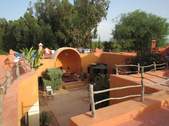 Riad Baoussala: Cours du Riad vue de la Terrasse