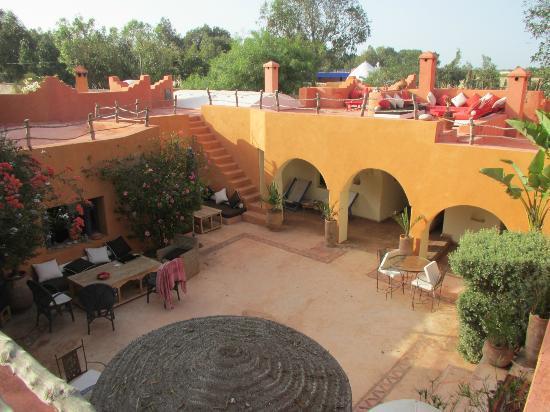 Riad Baoussala: Patio du Riad