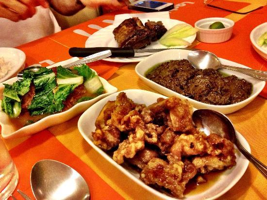 Lachi's: Laing, ribs, asian chicken, pork belly