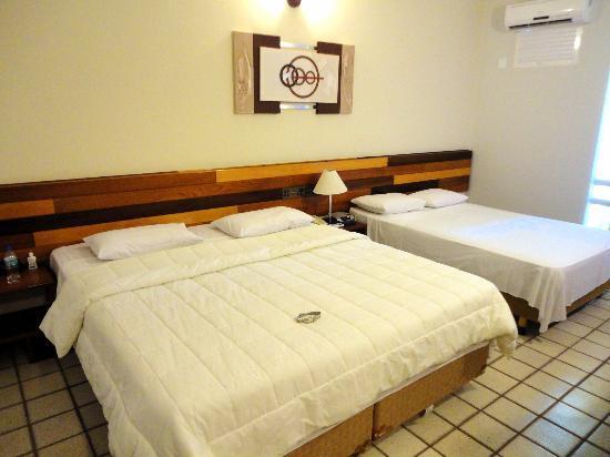 Falls Galli Hotel: Quarto espaçoso e limpo