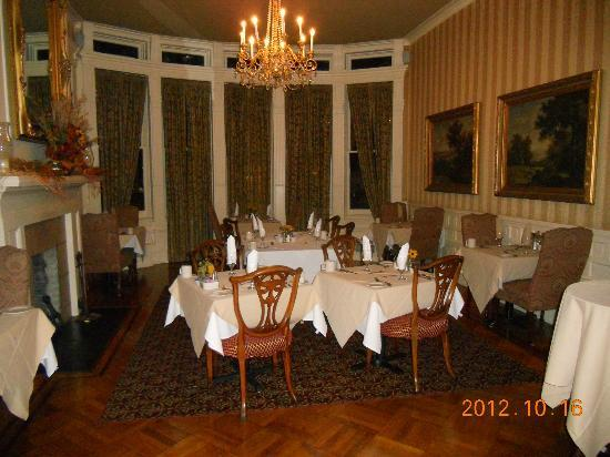 Mayor's Mansion Inn: Dining room