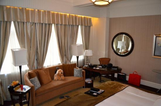 Fairmont Peace Hotel: Space :)