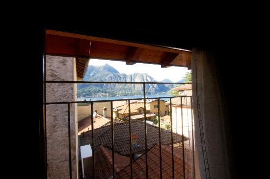Residence Antico Pozzo: Вид из ванной