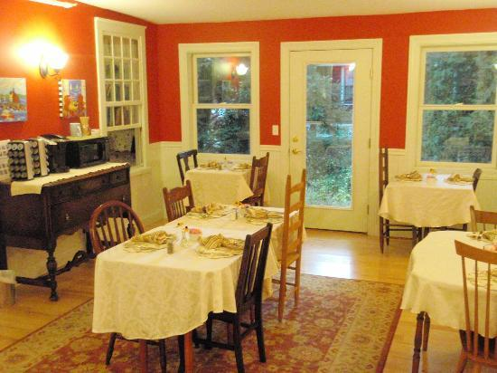 Captain Swift Inn: one of two dining rooms