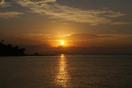 South Sea Nomads: awsome sunset from the boat