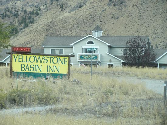Yellowstone Basin Inn: Great Location