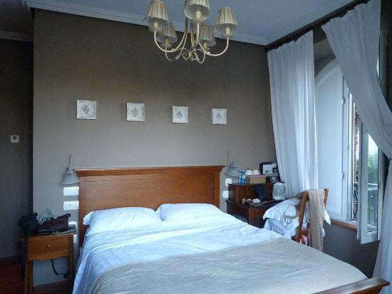 Hotel Casona Naviega: Habitación