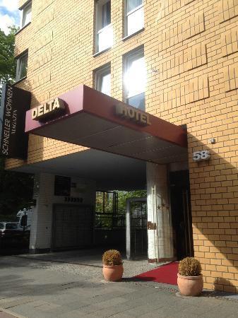 Hotel Delta: ホテル外観
