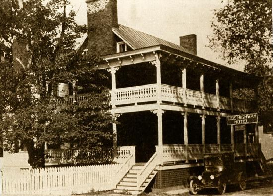 Hopkins Ordinary Bed & Breakfast: As it was in 1920s