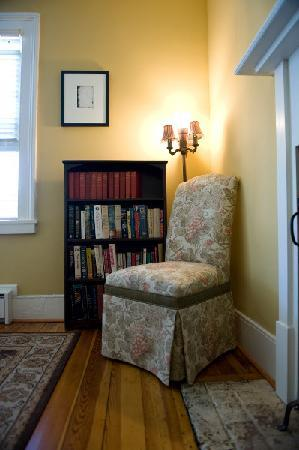 Hopkins Ordinary Bed & Breakfast: Read a book...
