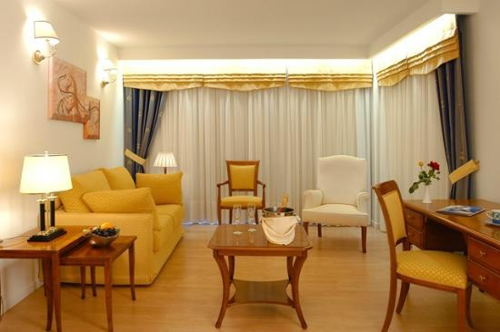 Poseidon Palace: Executive Suite-Living Room