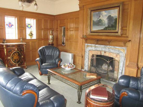 Fletcher Lodge: fireplace