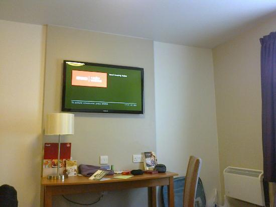 Premier Inn Llandudno (Glan-Conwy) Hotel: big TV