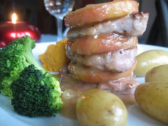 Cascades Restaurant: Medallions of Lancashire Pork Loin