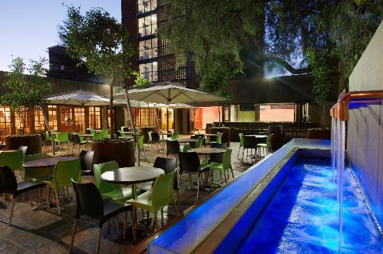 Hotel 224: Pepper Tree Patio