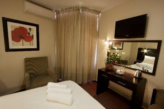 Hotel 224: Room