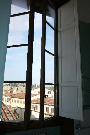 Hotel Palazzo Guadagni: Large windows in rooms