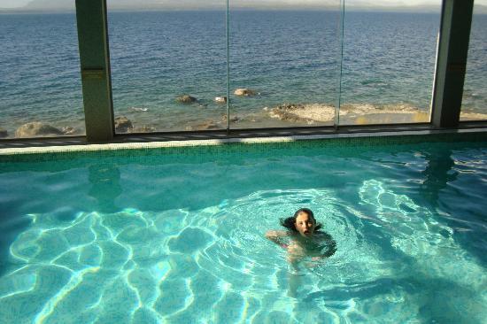 Piscina climatizada picture of alma del lago suites for Piscina climatizada