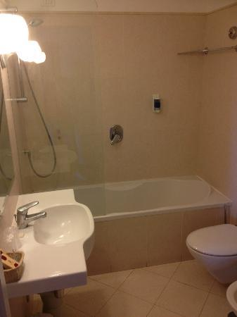 Hotel Caravel Sorrento: Bathroom