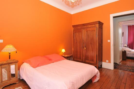 Boulingrin: chambre 15m2 avec salle de douche et WC privé
