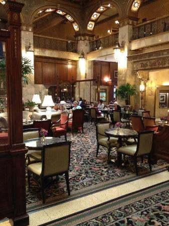 The Brown Palace Hotel and Spa, Autograph Collection: Lobby and tea area