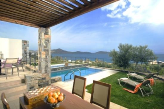 Elounda Olea Villas And Apartments: Villa Elais terrace and pool