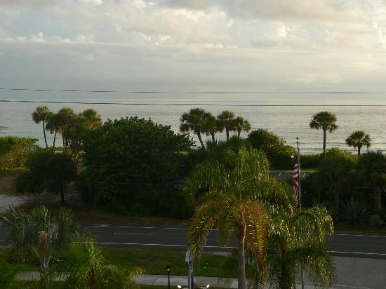 Longboat Bay Club : The view from our front balcony