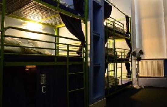 Journeys Brighton Hostel: Beds