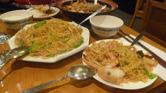 Spicy Fish Restaurant: Reisnudeln mit Meeresfrüchten