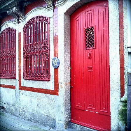Magnolia Porto Hostel: Building Facade