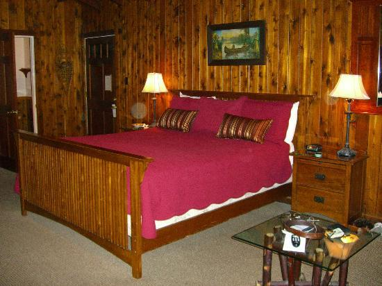 Narrow Gauge Inn: Beautiful furnishings and decor