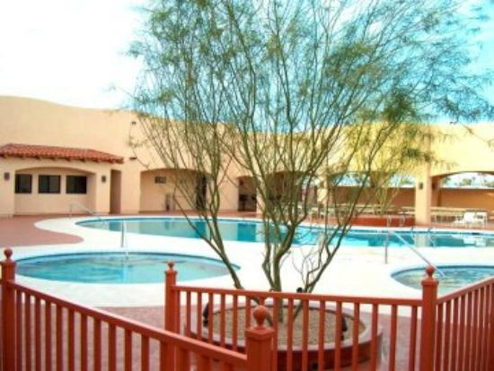 Mesa Spirit RV Resort: Unit 1 pool area