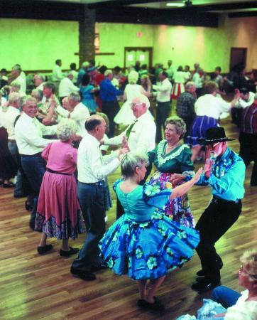 ‪‪Mesa Spirit RV Resort‬: Square Dancing