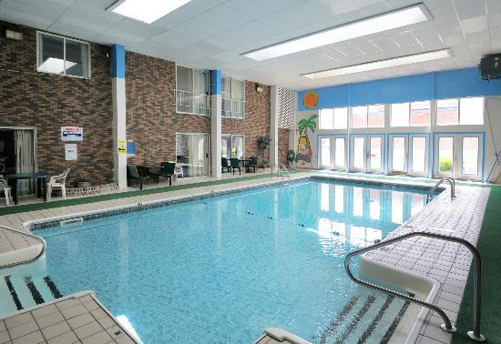 Regency Inn and Suites West Springfield: Renovated Indoor Pool