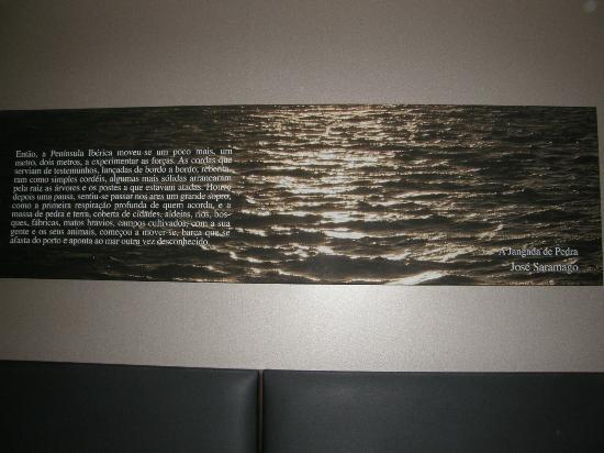 Eurostars Das Letras Hotel: Chaque chambre est personnalisée : citation d'un écrivain célèbre